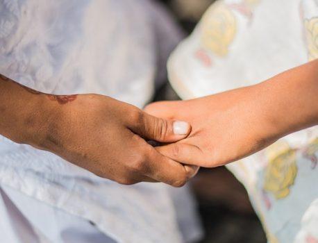 Współczucie – czym jest? Jak okazywać współczucie i jak je rozumieć